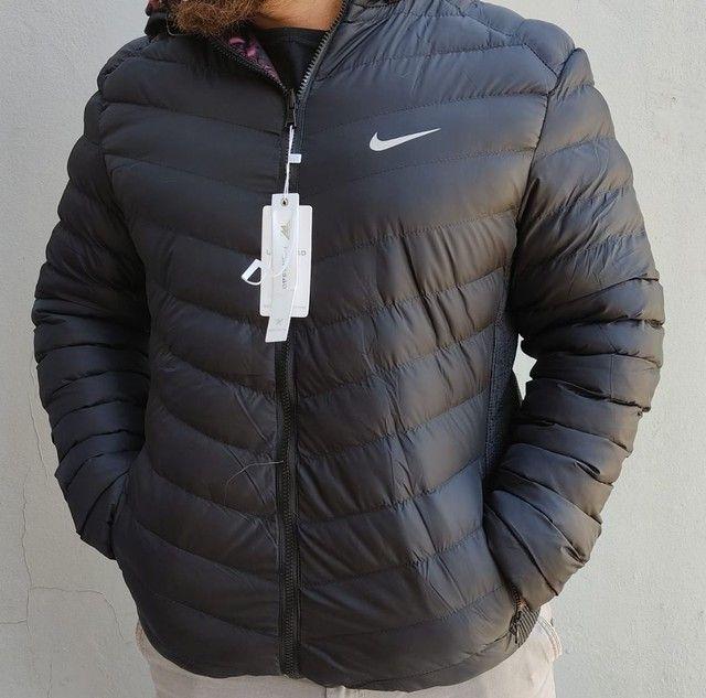 Jaqueta de inverno unissex. <br>Super quente. <br>Reversível.<br>Preta