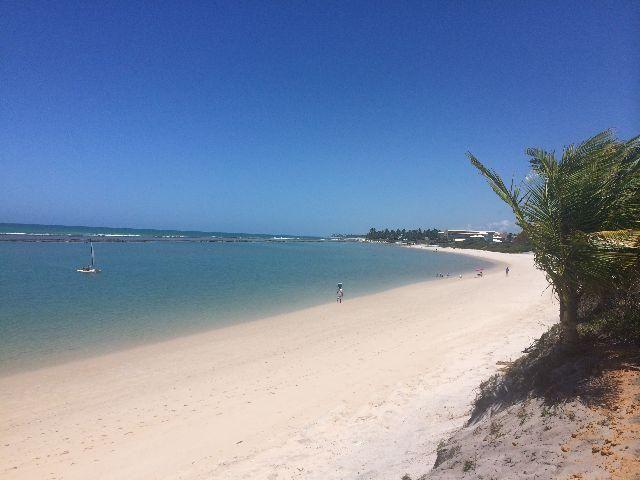 Casa em condomínio fechado na Praia de Muro Alto, 5 suítes, 4 garagens, piscina privativa