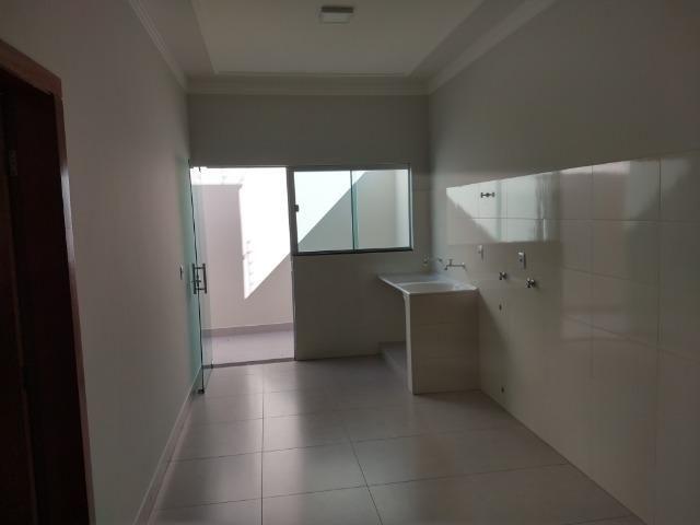 Vende-se ótima casa nova no bairro Jardim Vitória em Patos de Minas/MG - Foto 2