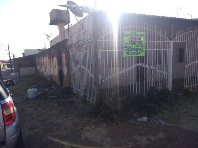 Qno 16 esquina - casa de 03 qts + casa de fundos - Foto 3