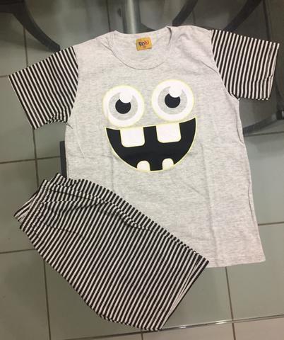 Pijamas Infantis tamanho 8