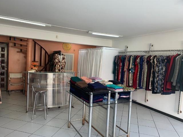Vendo linda loja de roupas feminina no centro - Foto 4