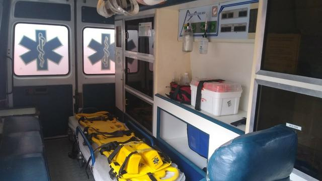 Ambulância Sprinter Básica Completa - Foto 17