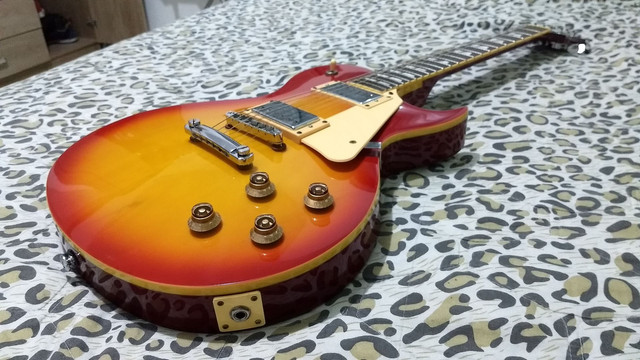 Guitarra Les Paul GG1 Sunburst SX