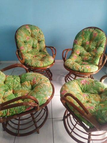 Conjunto de 4 cadeiras giratórias de bambu  - Foto 3