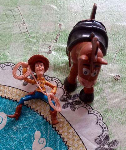 Brinquedos do filme toy story , woody e o cavalo bala no alvo  - Foto 2