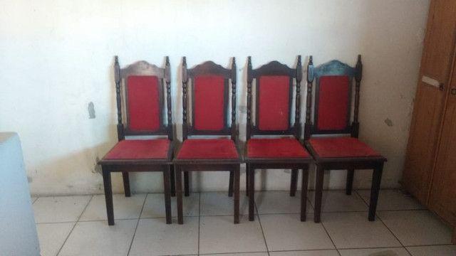 Cadeiras, tv e caixa registradora, aceito proposta