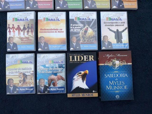 Coleção com 11 DVDs + 2 Livros Pastor Myles Munroe - Foto 3