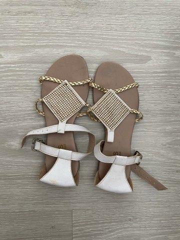 Rasteira sandália branca brilho  - Foto 2