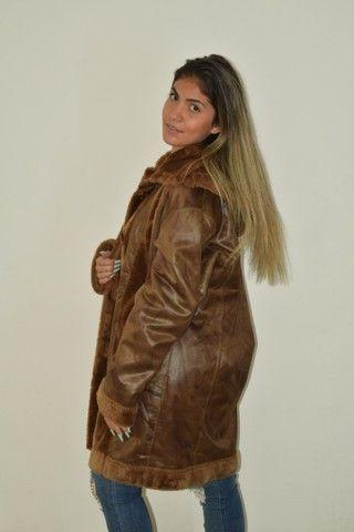 Casaco longo de couro forrado com pelo Fake  - Foto 3