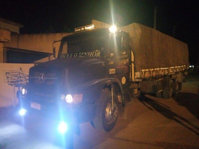 Caminhão MB 2318