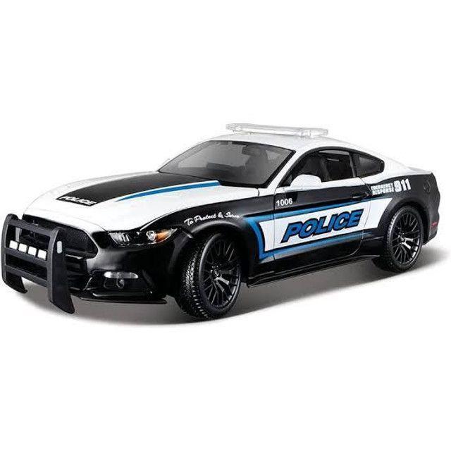 Miniatura Ford Mustang GT polícia 1:18