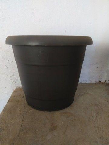 Vasos de Junco (fibra sintética), de plástico, arandelas, floreiras e folhagens. - Foto 2