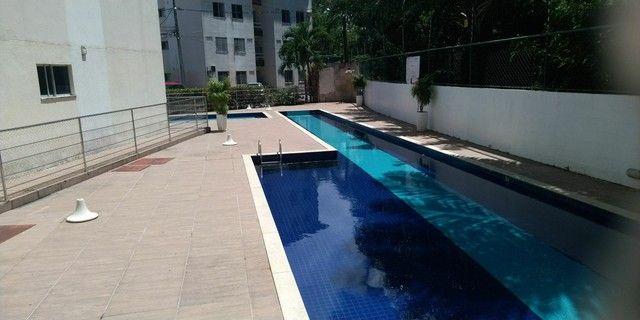 Apartamento 2/4, varanda R$148.000,00