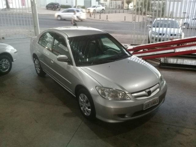 Superior Honda Civic 2004