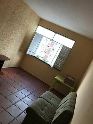 Alugo apartamento condomínio vila confiança