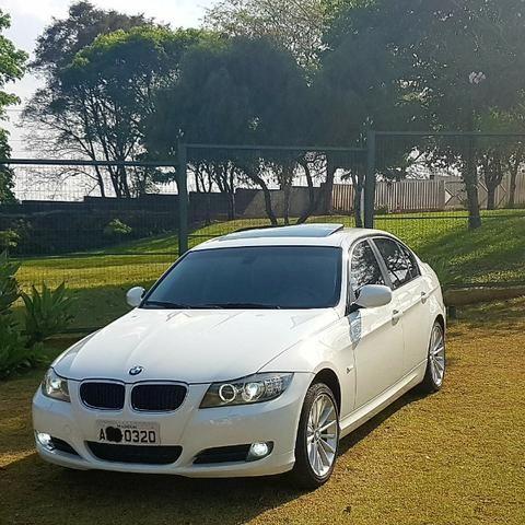 BMW 320 i TOP 2011 C/ TETO - Branca - Sem Trocas - Baixa Km - Linda e Perfeita