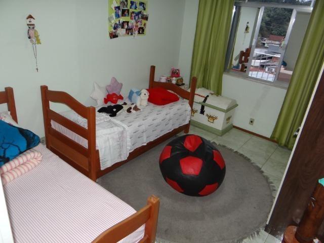Casa com 2 moradias, 4 vagas e 1 salão de festas no Bairro Castrioto - Foto 11