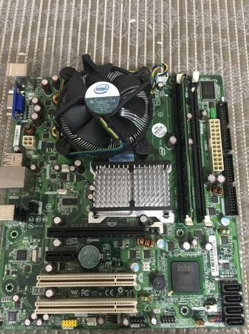 Placa Mãe Intel 2gb memória Processador Quad Core Q8300 2.5ghz (4 Núcleos)