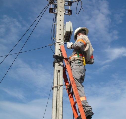 Eletricista e Encanador Profissional Emergência Cuiabá e Vg 24h!(Passo Cartão)