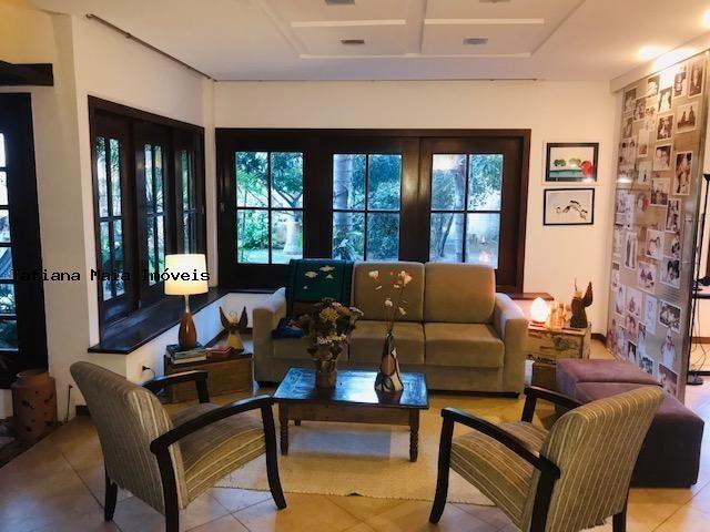 Vende Casa Cond. Fechado em Candelária 3 Suítes 5 Wc 320 mts² Dep.Comp