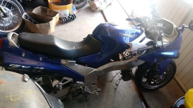 Moto Para Retiradas Peças / Sucata Kawasaki Zx11 Ano 1997 - Foto 5