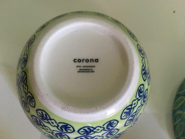 Potes de cerâmica Luiz Salvador feitos à mão
