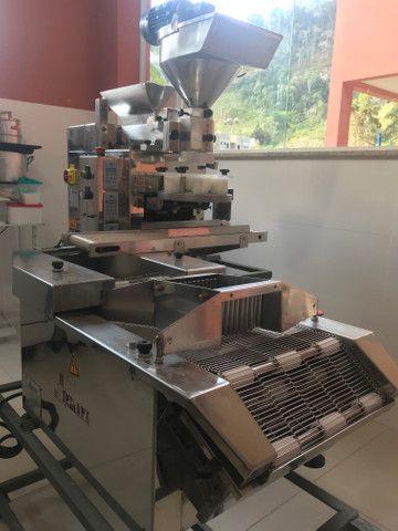 Máquina de salgados com empanadeira - Foto 5