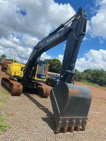 Vendo escavadeira hidráulica EC210B volvo - Foto 5