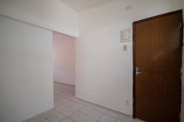 Apartamento com 2 quartos para alugar, 90 m² por R$ 1.800/mês com taxas - Boa Viagem - Rec - Foto 8