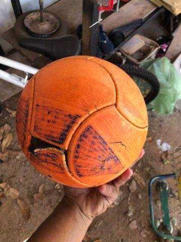 Bola da pênalti pra futsal  - Foto 2