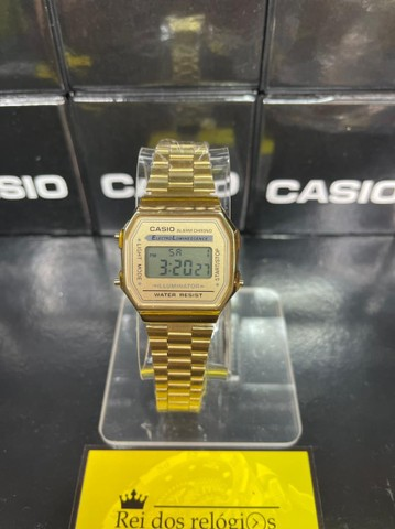 Relógio Casio Retro dourado