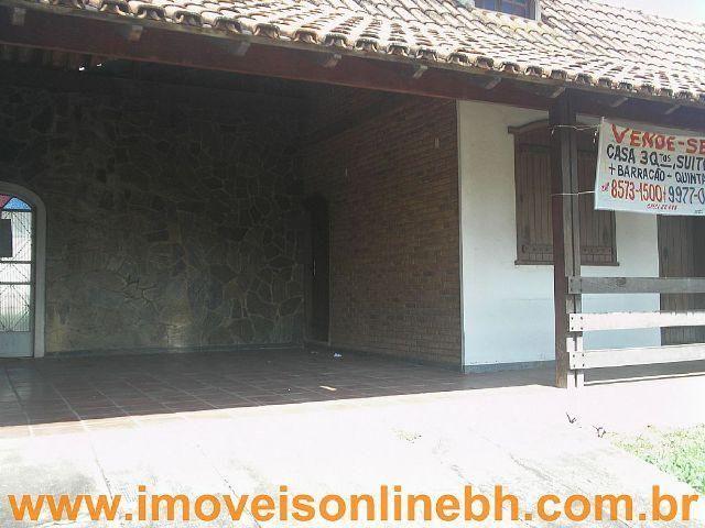 Espaçosa Casa 03 Qtos, Suíte, 4 vagas, Barracão - Bairro Itapoã