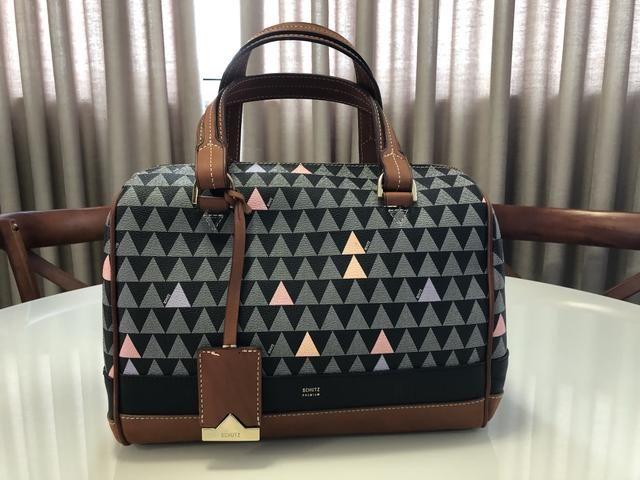 14ce4f8a7 ... Bolsa Schutz modelo Handbag Triangle Black Bolsas malas e