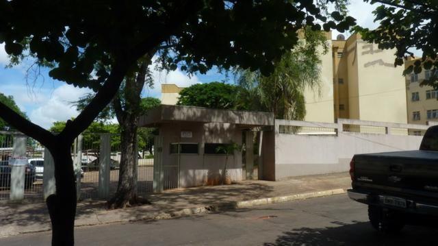Apartamento 02 Qts. Vila Célia