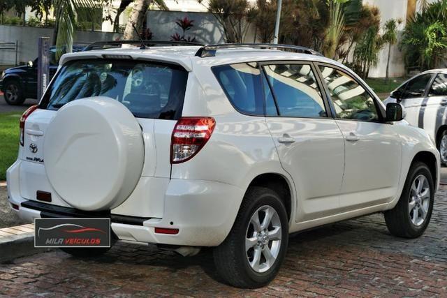 Toyota RAV4 Automática Completa 2.4 4x2 Kit Multimídia Pneus Novos