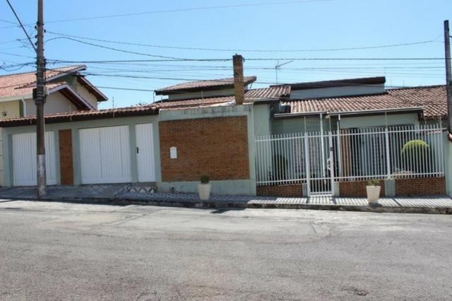 Casa Térrea 520m² de Terreno no Jardim América em Jacareí