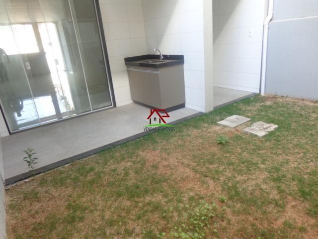 Linda casa geminada de 03 quartos no Itapoã! - Foto 4