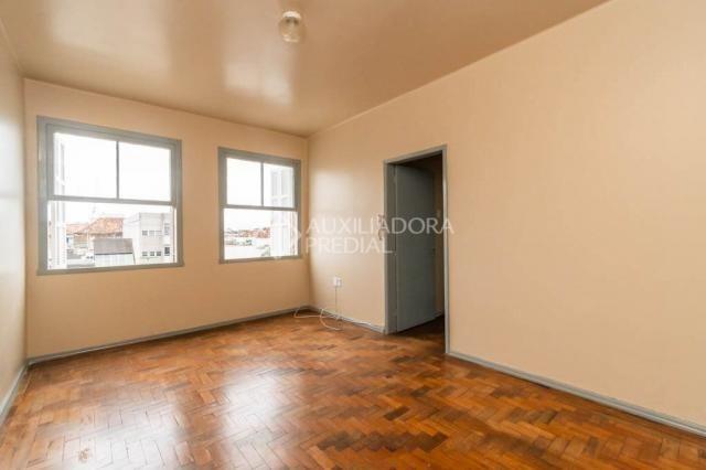 Apartamento para alugar com 3 dormitórios em Navegantes, Porto alegre cod:320462 - Foto 2