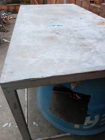 Mesa de metalao