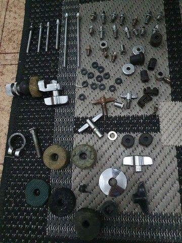 Bateria Groovin com peles hidráulicas RMV + 6 Pratos Orion + Bolsa+ clamp+banco - Foto 4