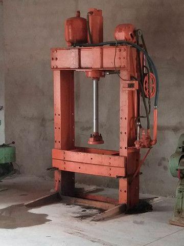 Prensa hidráulica  disponível para venda.  - Foto 2