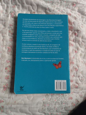 Livro O amor venceu o medo - Foto 2