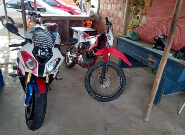 Vendo Excelente moto BMW S 1000 rr  a vista ou parcelado  - Foto 3