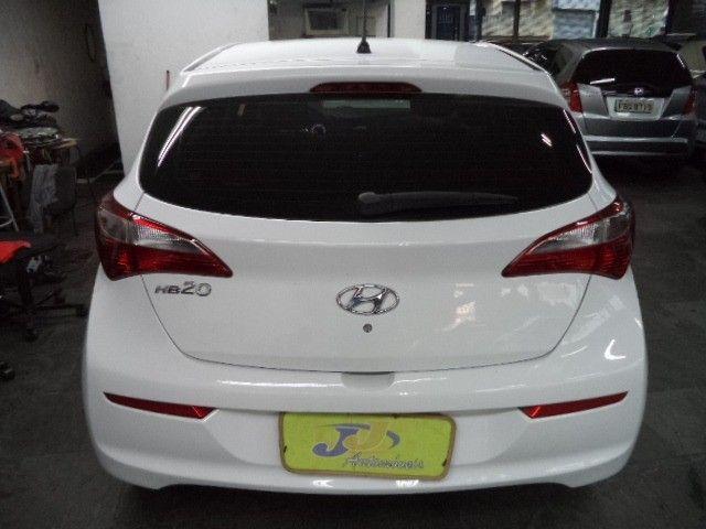 Hyundai HB20 Confort Plus 1.6 16v Flex Mec Completo 2014 Branco - Foto 10