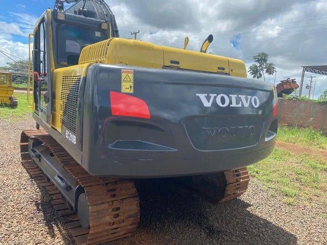 Vendo escavadeira hidráulica EC210B volvo - Foto 4
