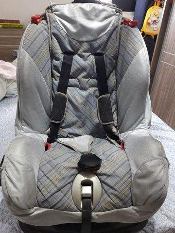 Cadeirinha de criança para automóvel