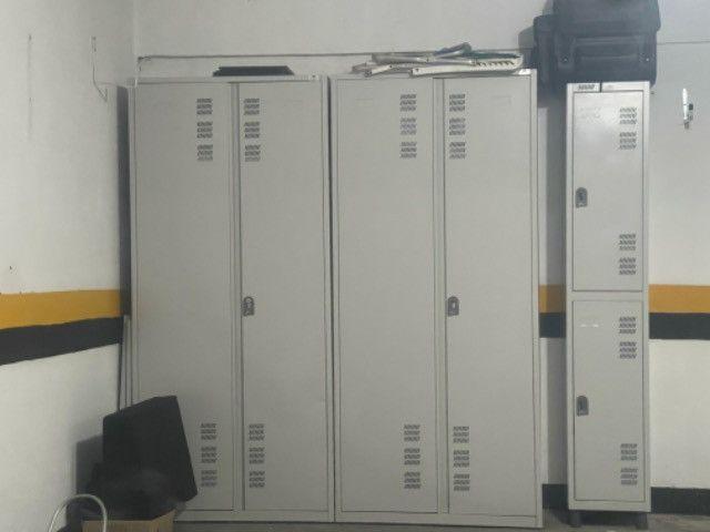 3 armarios de aço
