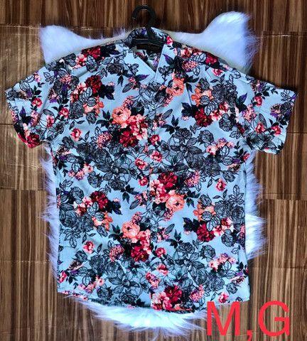 Camisas floridas em viscose - Foto 5