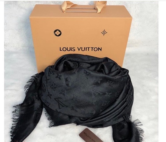 Pashmina Louis Vuitton preto - Foto 2